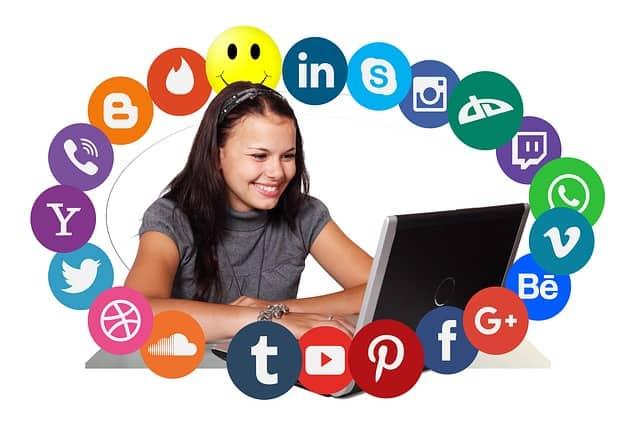מדיה חברתית – Social Media
